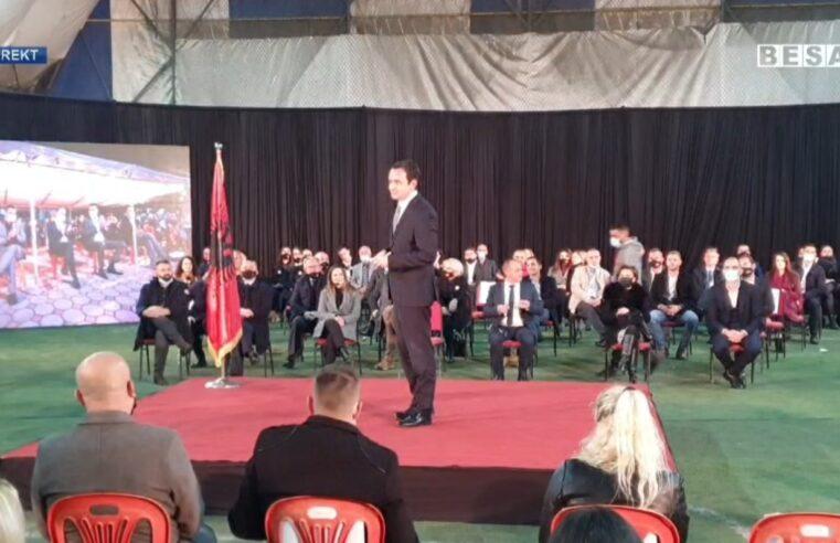 Albin Kurti merr pjesë në tubimin përmbyllës të fushatës së Vetëvendosjes në Prizren (VIDEO)
