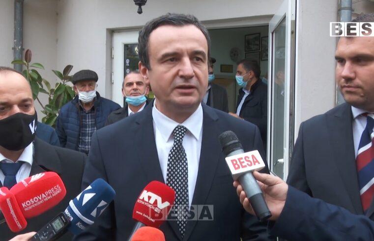 """Albin Kurti në Prizren: """"Veprimi në Veri të Kosovës është luftë kundër krimit të organizuar dhe kontrabandës"""" (VIDEO)"""