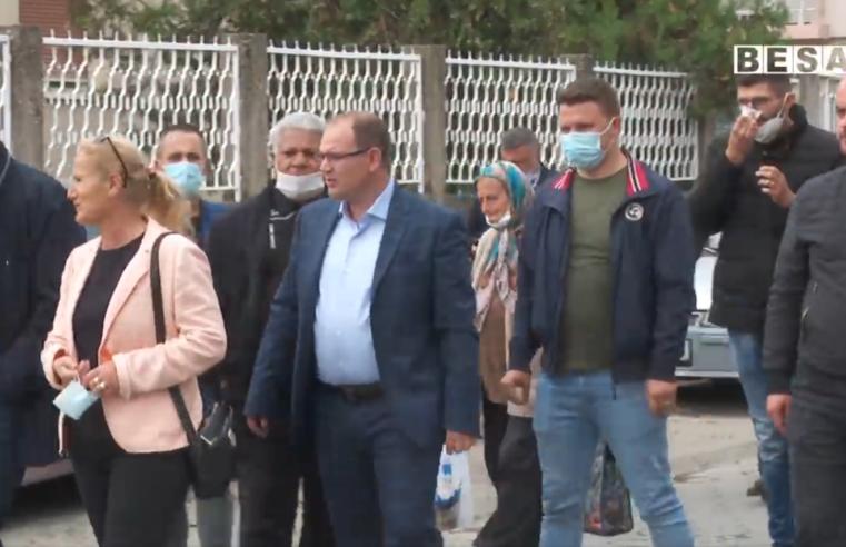 Prizreni, ka nevojë për tregje e jo prodhimet të shiten rrugë të pengohet komunikacioni pohon kandidati  për kryetar  komune nga PDK -ja Shaqir Totaj