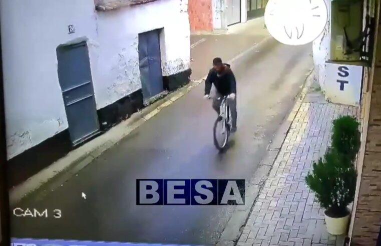 """Kthehet biçikleta e """"huazuar"""" në Prizren, pas publikimit në Rtv Besa (VIDEO)"""